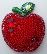 Набор для изготовления броши из бисера Красное яблоко