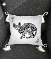 Схема-заготовка для вышивки бисером декоративной подушки Забавы сфинкса Миледи ПС-016