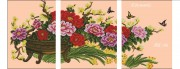 Схема вышивки бисером на габардине Триптих Цветы в корзине