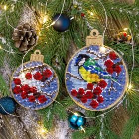 Набор для вышивания бисером по дереву Снегири, 2 штуки Волшебная страна FLK-304 - 270.00грн.