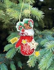Набор для вышивки нитками Новогодняя игрушка Варежка Чарiвна мить (Чаривна мить) Т-03
