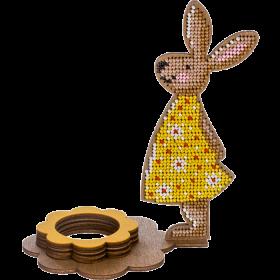 Набор для вышивки по дереву Подставка под пасхальное яйцо Пасхальный кролик в желтом платье