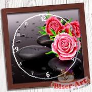 Схема вышивки бисером (нитками) на габардине Годинник Троянда