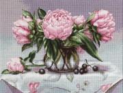 Набор для вышивки крестом Ваза с пионами