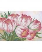 Схема вышивки бисером на габардине Весенние тюльпаны