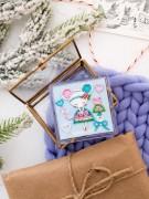 Набор - магнит для вышивки бисером на акриловой основе Маленькая модница