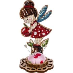 Игольница набор для вышивки бисером Ангел-девочка красная