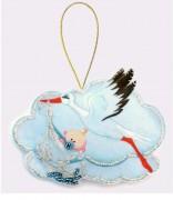 Набор для изготовления игрушки из фетра для вышивки бисером Аист с мальчиком