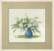Набор для вышивки крестом Букет ромашек Чарiвна мить (Чаривна мить) №563