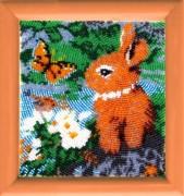 Рисунок на атласе для вышивки бисером Зайчонок