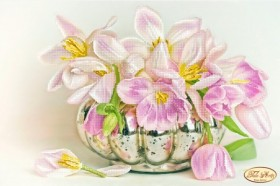 Схема вышивки бисером на атласе Бокэ. Жемчужные тюльпаны